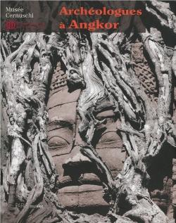 Archéologues à Angkor